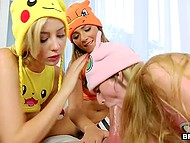 Experienced Pokemon Go player captures three sexiest Pokemons at once and uses their potential very specifically 7