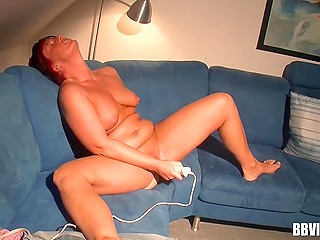Mature woman wants to relax sometimes and she brings vibrator into play at such moments