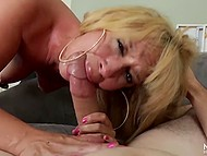 Blonde MILF knows how to blow cock so does it like a pro and it finishes with facial