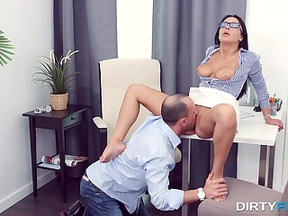 Brunette bimbo after additional Math lesson is fucked by her teacher in the asshole