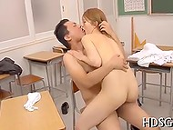 Schoolgirl came to retake the exam being not prepared but found another way to obtain good mark 7