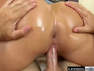 Big-bootied MILF put on fashioned lingerie and easily seduced her fitness instructor 11