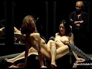 Азиаты знают толк в любовных утехах и это показано на примере званого ужина и лесбиянок, наслаждающихся друг другом