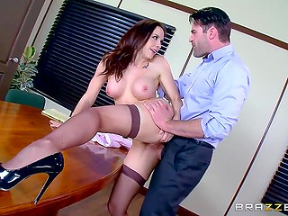 Bitchy office worker knows the best way to butter up her boss and make him stay satisfied