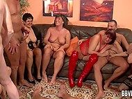 Rough group sex with mature women and hardworking fuckers in the German video