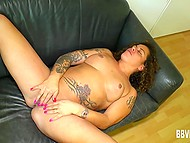 Tattooed dame carefully masturbates her trimmed vagina in the German scene 4