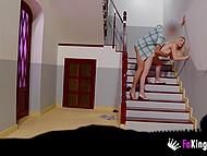 Блондиночка только въехала в отель и тут же совратила славного паренька, чтобы избавиться от похоти 10