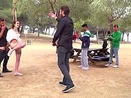 Девочка добровольно позволила двум бородатым мужикам привязать себя к дереву и выебать с двух сторон 7