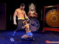 Mortal Kombat fighters Johnny Cage and Kitana had wild fuck in the last round to impress the Shao Kahn 8