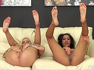 Remarkable beauties with slender bodies actively masturbate shaved pussies 5