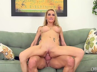 Big-tittied blonde considered that it would be a good idea to have sex with hairless man and hurried to fulfill it