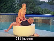 Slutty blonde seduces the mature friend of her uncle for an awesome outdoor sex