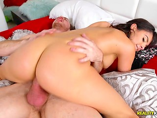 Latina came to take laundry and couldn't pass by thick penis of sleeping stepbrother