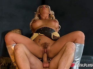 Blonde goddess neutralized Hephaestus and had sex with Loki to save petite nurse