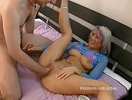 Pussy fisting turns buxom German mature on and she thanks skinny guy with classy blowjob