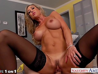 Suntanned Brandi Love with huge tits made fellow feel good in gratitude for new lingerie