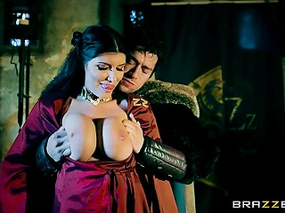 The Red Priestess is ready that the king of the north John Snow will fuck her like an animal