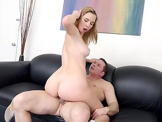 Sexy lady wants to be a famous pornstar and her first casting was terrific