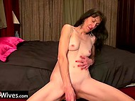 Mature housewife is alone at home and can finally satisfy herself with a sex toy