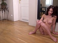 Elegant good-time girl with beautiful body happily masturbates pussy by mirror 5