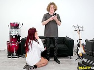 Crazy teen creeps into the rock star's dressing room and masturbates with his guitar until he comes to drill her 4