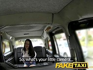 Attentive taxi driver recognizes busty British pornstar and takes her butthole in backseat 4