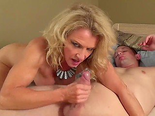 Mature blonde tells writer about her squirting orgasm during sex with younger buddy