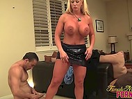 Imperious Italian cougar Alura Jenson punishes her submissive lovers after sucking cock 7