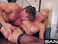 Manuel Ferrara fucks and fingers pussy of big-boobied Alexis Fawx so energetically that she squirts 4