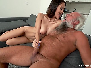 Old man with gray beard fucked tight pussy of young girl well and didn't disappoint her