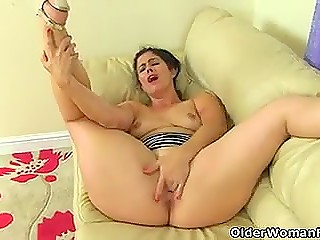 Pleasant Spanish female with big booty slides panties and shoves fingers in pussy