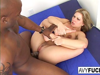 Avy Scott's appearing always makes spectators happy, especially when she gets blacked