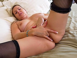 Mature blonde still has sexy passion and she wants to demonstrate her amazing peach