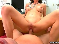 Smoking-hot MILF came at casting to have her shaved pussy served with good cock