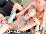 Young twink jerks off penis, talipa in porn and the roommate decides to help him have fun