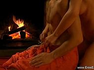 Good tutorial video is useful for girls, who want to gladden guys with oil massage 4