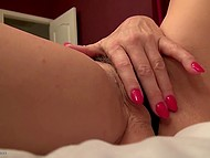 Mature woman from Holland does not need any reason to please hairy vagina once again 4