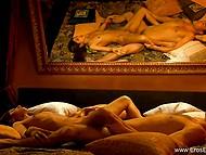 Чувственный секс субтильной индийской красавицы и её белого кавалера в HD порно видео 6