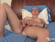 Amateur short-haired chick loves to massage hairy pussy with fingers and vibrator 4