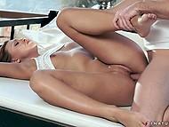 Чувственная девушка позволяет смелому мужику лизать её ножки, перед тем как потрахаться 8