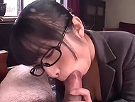 When Japanese secretary has nothing to do in office she remembers about her high cocksucking skills 4