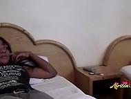 Короткий разговор по душам побудил привлекательных африканок полизать пиздёнки 4