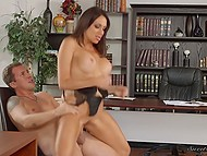 Youngster did everything possible to please huge-boobied boss Jaclyn Taylor in office 10
