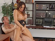 Youngster did everything possible to please huge-boobied boss Jaclyn Taylor in office 9