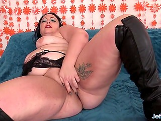 Concupiscent BBW with tattooed body enjoys fucking as good way to forget about lust