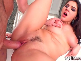 Well-shaped Italian bitch Valentina Nappi deserves pussy creampie in gonzo video