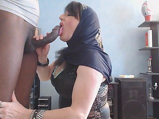 Strong black phallus immediately provokes mature Arab woman to remember her bj skills