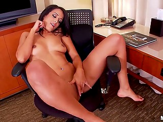 Skinny brunette with small ass gently masturbates shaved cunny alone in room
