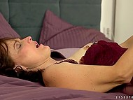 Sensual sex of mature housewife and young inamorato begins with amazing blowjob 6