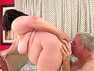 Love handles of fatty woman hold man's dick hard for the entire sex act from the beginning to the end 4